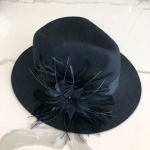 NORDSTROM ~ black wool fedora with feather accent